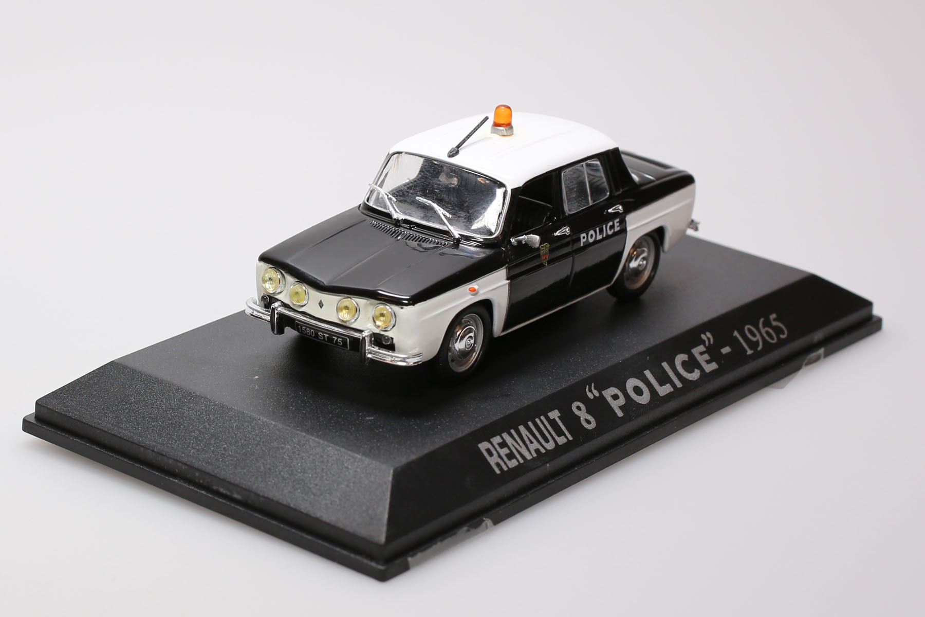 Renault 8 - POLICE - 1965
